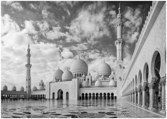 Sheikh Zayed Mosque by Phil Page